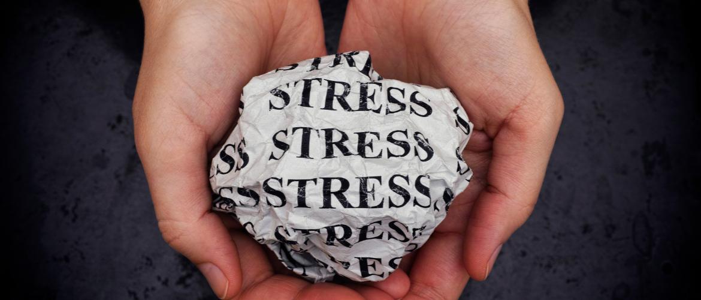 Hoe stress zich in je handen uit