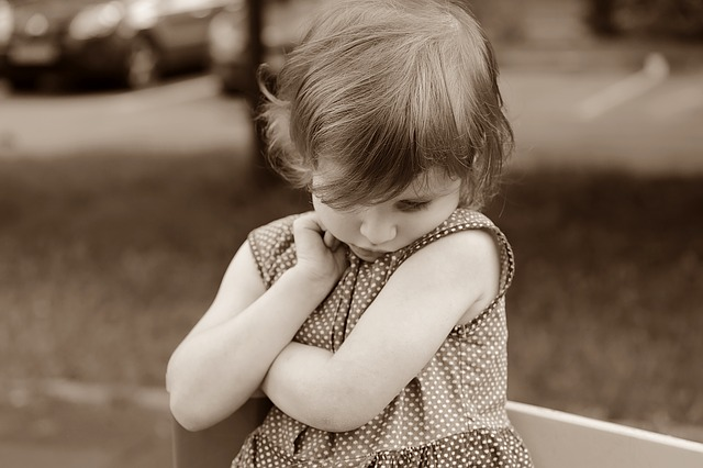 Kinderen verplicht laten knuffelen?