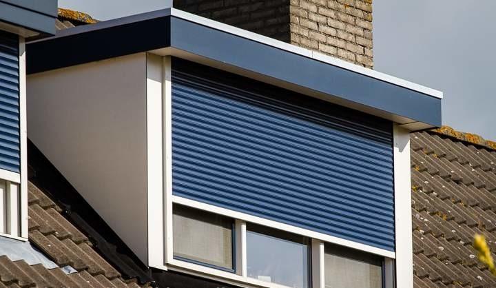 screens of rolluiken dakkapel - blauw rolluik