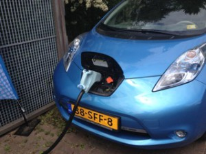 De accu van de elektrische auto als opslagplaats voor energie