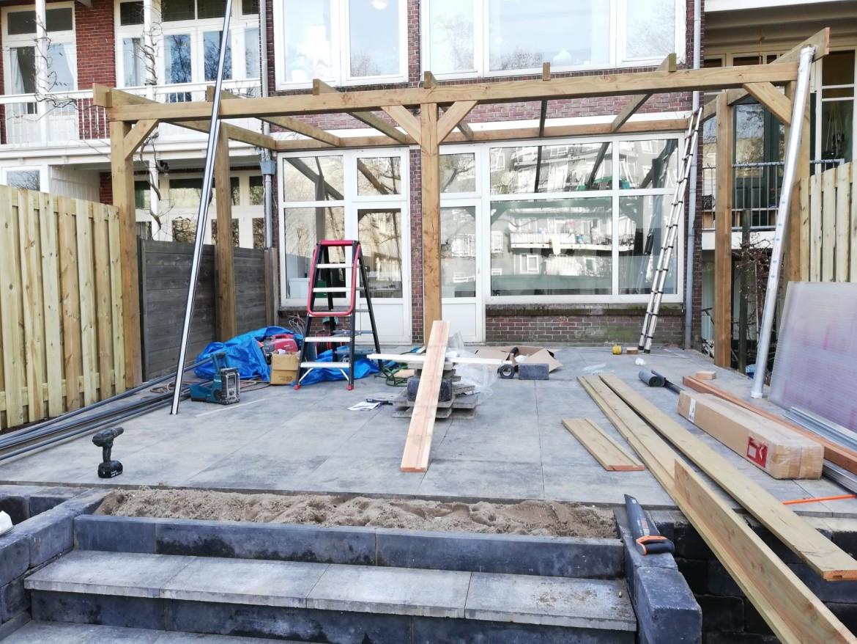 bouw van houten constructie in Rotterdam Nesselande
