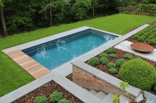 zwembad aanleggen in de tuin