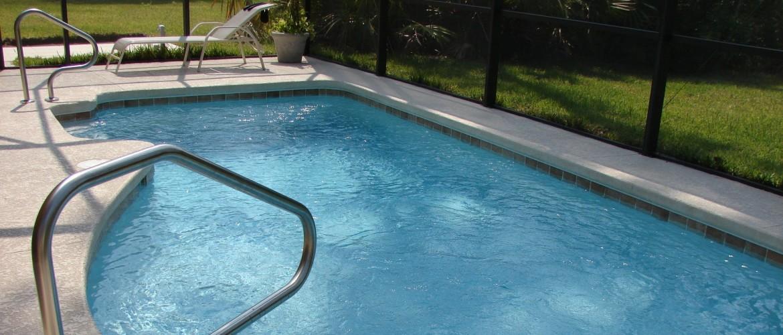 Klein zwembad in de grond