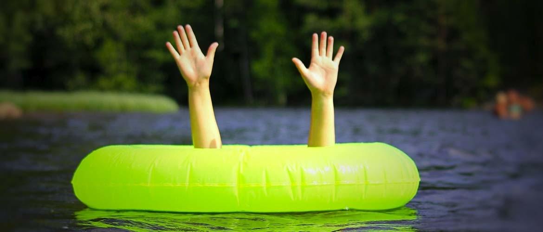 Uw zwembadwater groen? Dit kunt u eraan doen