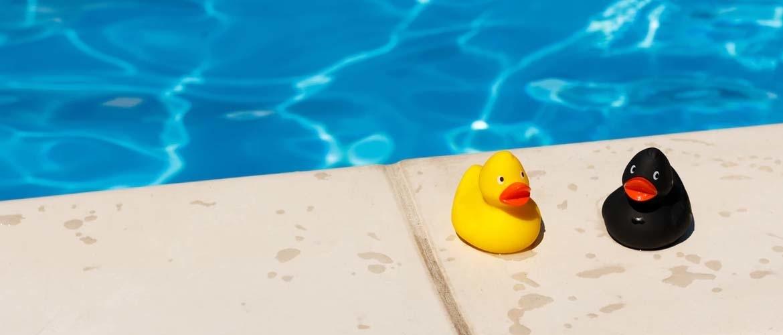 Zwembadwater testen; wat komt er bij kijken?