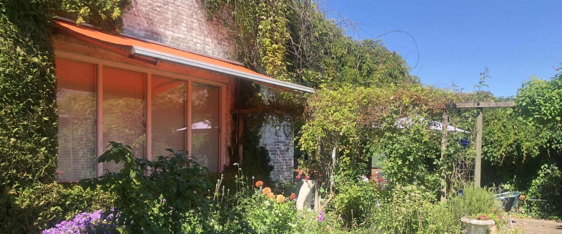 Te koop. Brouwerskamp 3/5 Doetinchem - Vrijstaande bungalow, een voormalige school, op 1354 m2 eigen grond