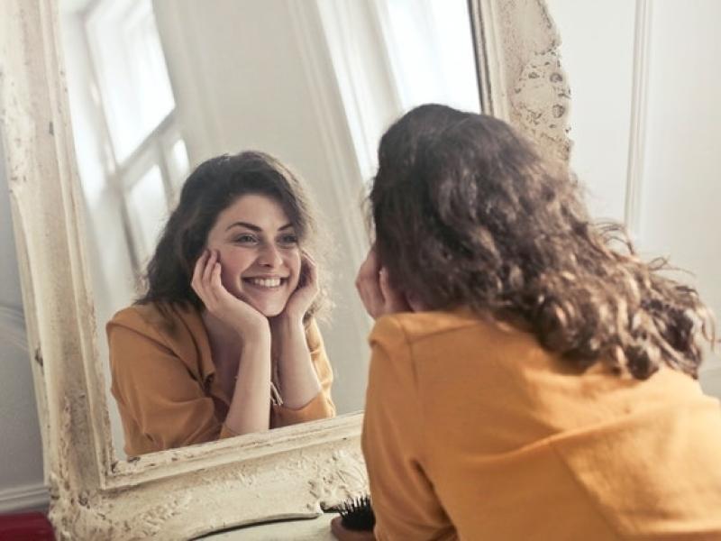 meer-zelfvertrouwen-beter-zelfbeeld-dankzij-hypnose-en-hypnotherapie-van-roel-beckers-hypnotherapeut-en-hypnotiseur-in-bree-limburg-of-online-via-zoom
