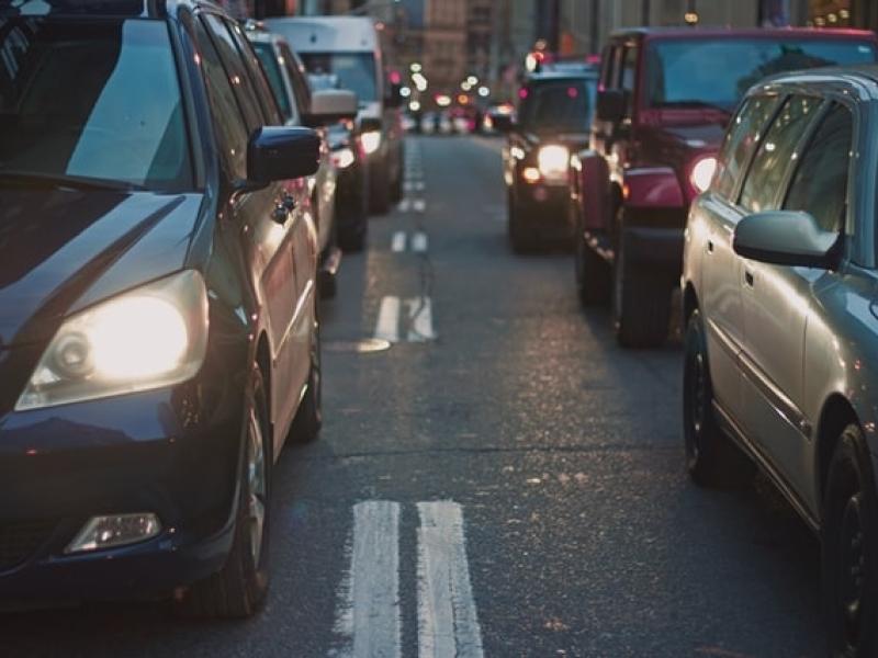 stress-in-het-verkeer-of-snelwegangst-overwinnen-dankzij-hypnose-en-hypnotherapie-van-roel-beckers-hypnotherapeut-en-hypnotiseur-in-bree-limburg-of-online-via-zoom