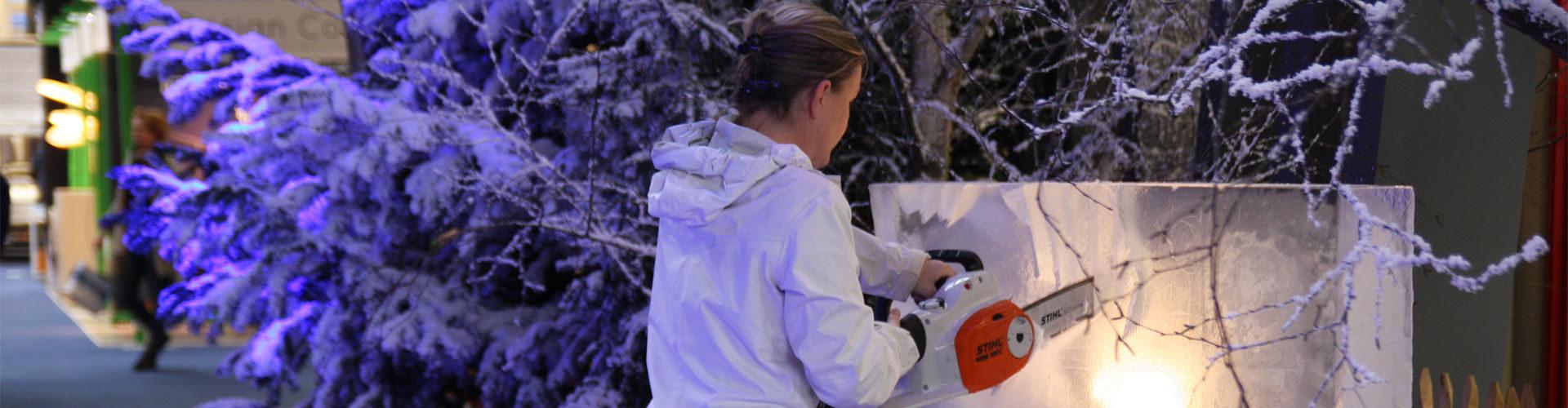 Speciaal winterprogramma met workshops demonstraties en muntjes hakken.voor kerstmarkten en winterfairs
