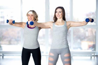 Oefening trainen schouders