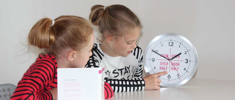 Hoe leer ik mijn kind klokkijken?
