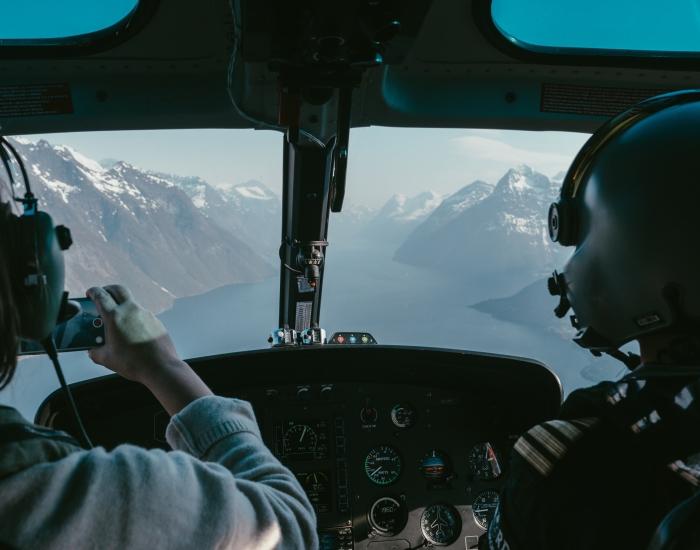 Helicoptervlucht fjorden Noorwegen ©Vagafilm
