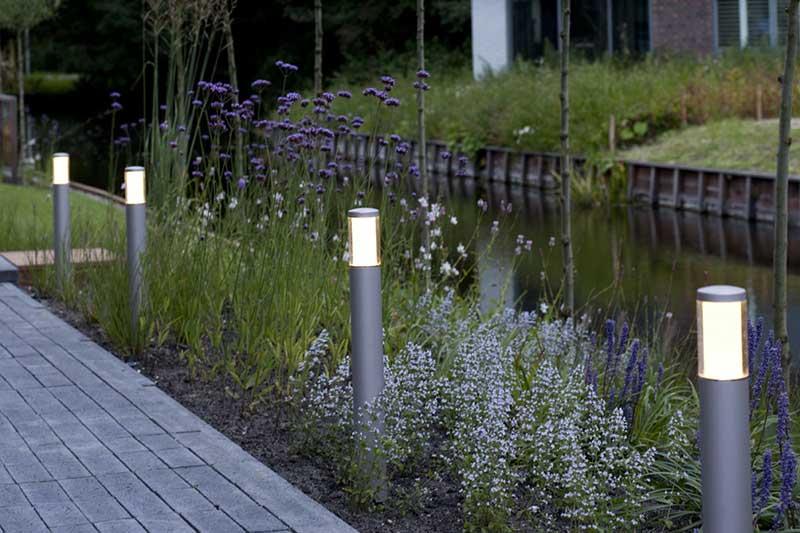 Elektra Aanleggen Tuin : Hoe leg je grondkabel voor het aansluiten van elektra in de tuin