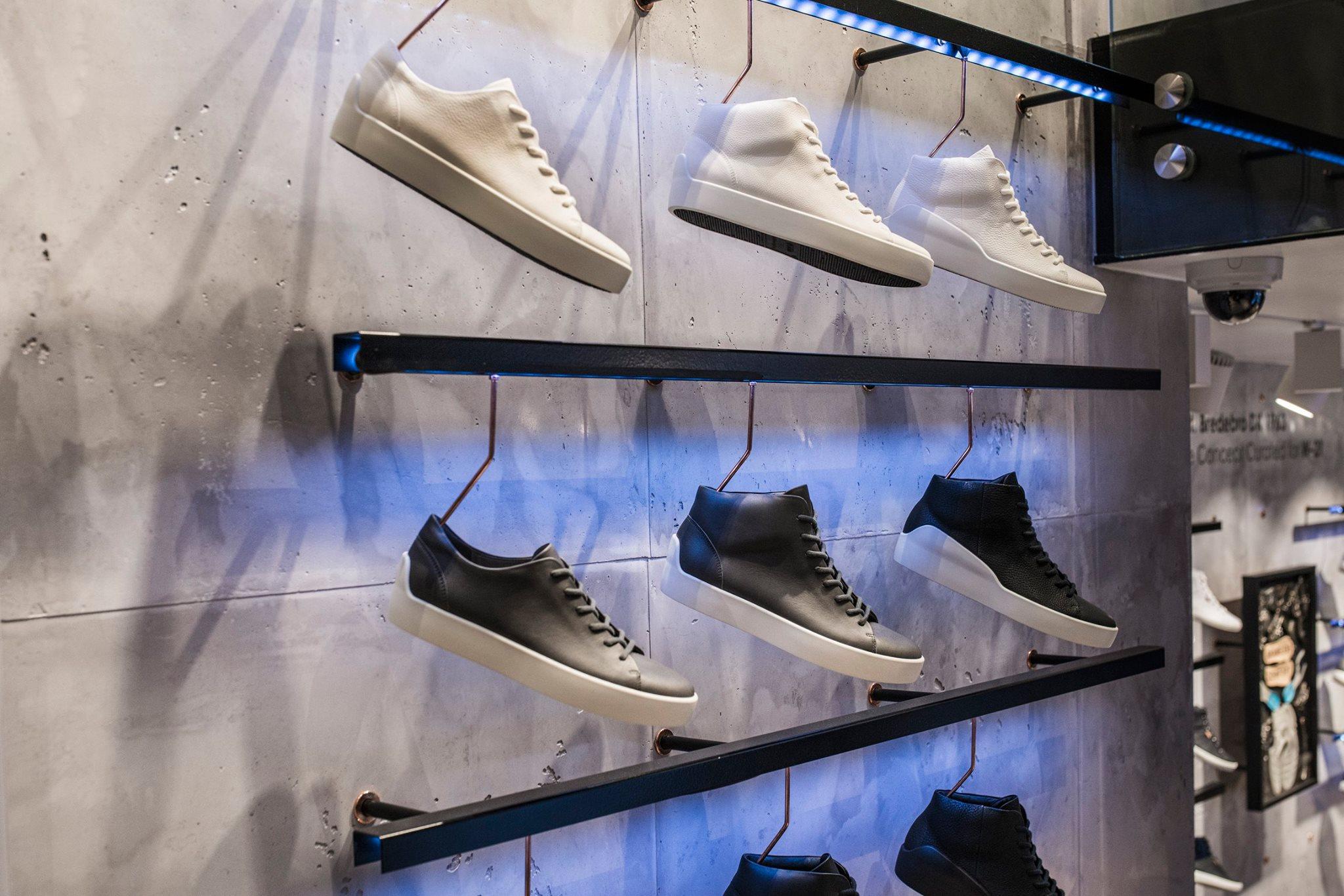 led verlichting ecco store schoenen