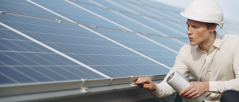 Omvormer voor zonnepanelen: van essentieel belang
