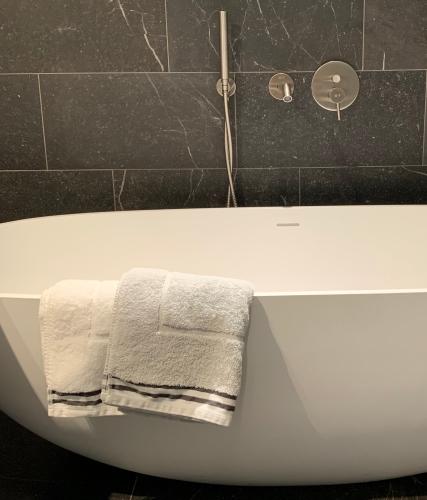 MAISON de la Bonne Vie kamer 1 sanitair