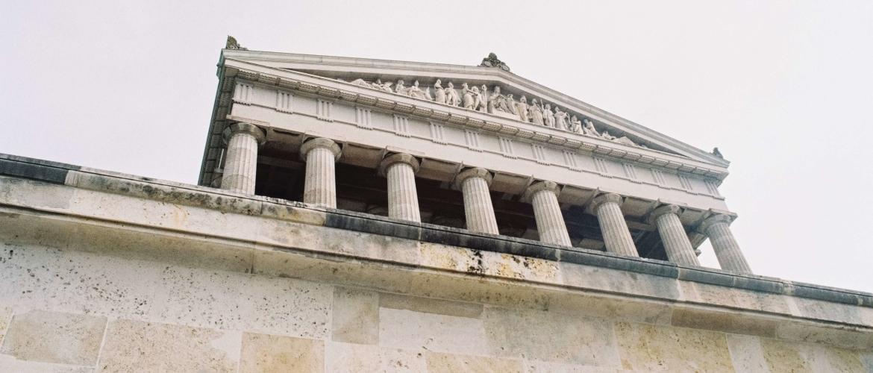 Welke fasen kent het bestuursrecht?