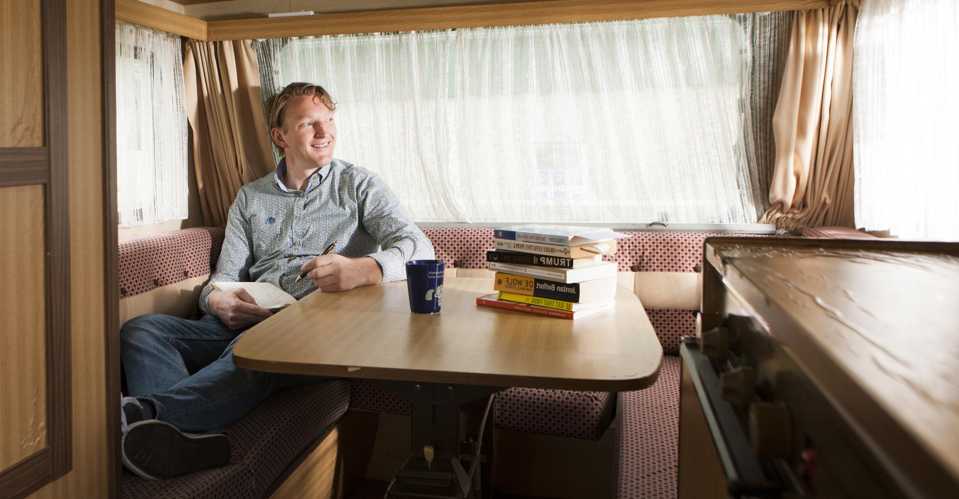 Johan van Houten op reis
