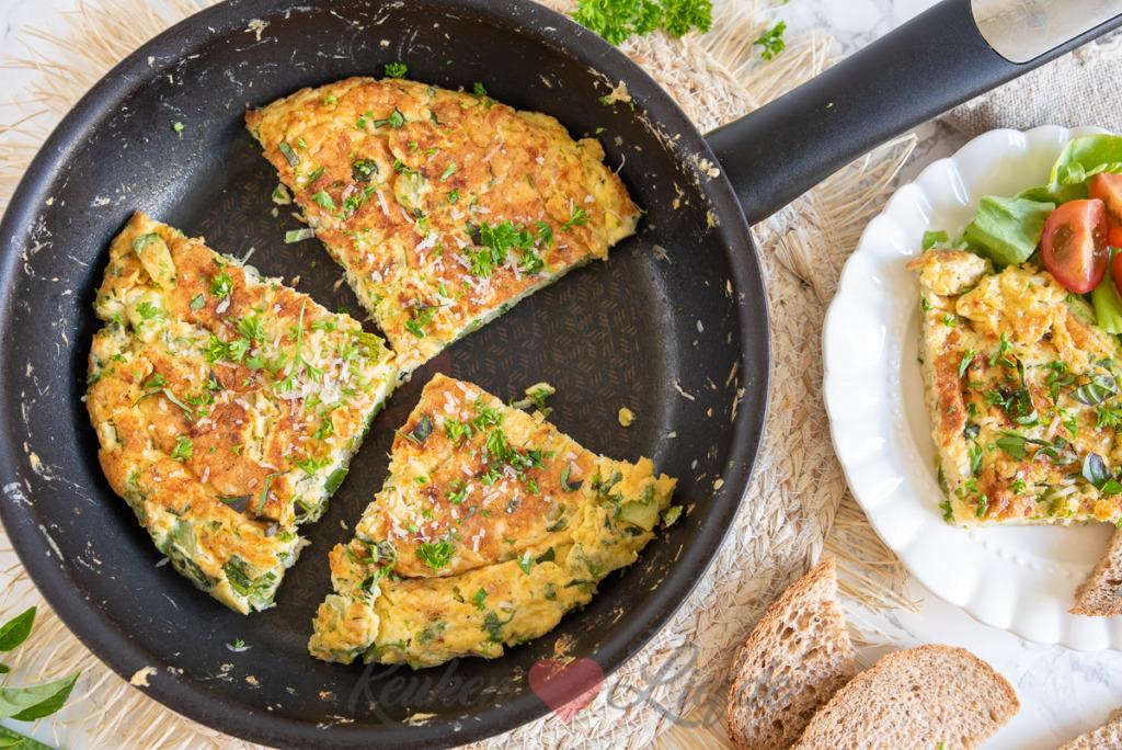 Keto dieet lunch recept Frittata met courgette noedels
