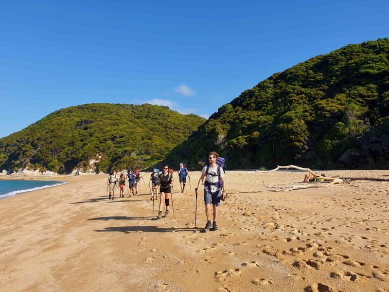 Abel Tasman Groepswandeling over het strand