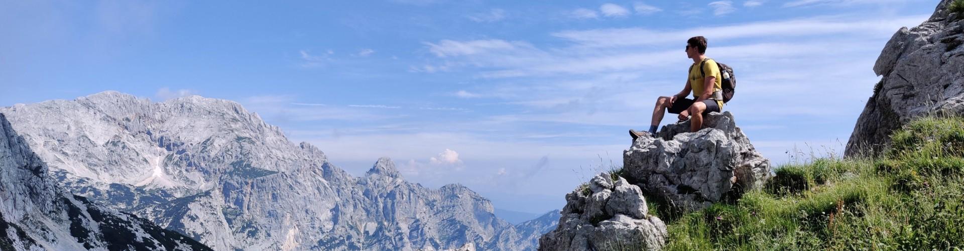 Julische Alpen Uitzicht met Kaaiman reiziger