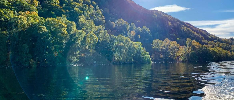 De mysterieuze verhalen van Loch Ness: pure fictie of werkelijkheid?