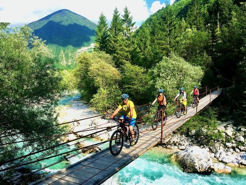Mountainbiken in de Soca vallei