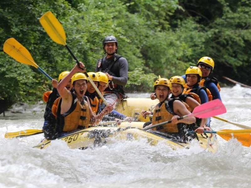 Raften op de Simme rivier
