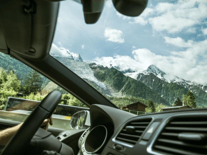 Roadtrip Zwitserland Uitzicht vanuit busje