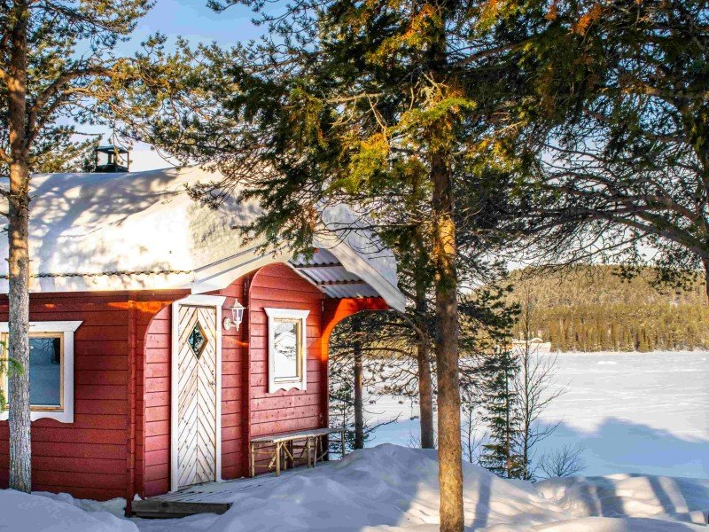 Hut in de sneeuw