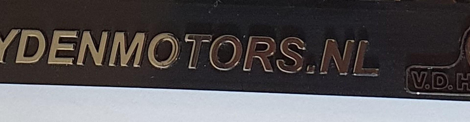 Kentekenplaathouder reliëf motor