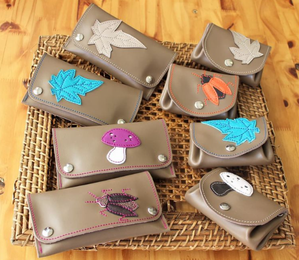 leather-wallets-with-applique-made-from-scraps-in-bold-colours-made-by-marieke-création
