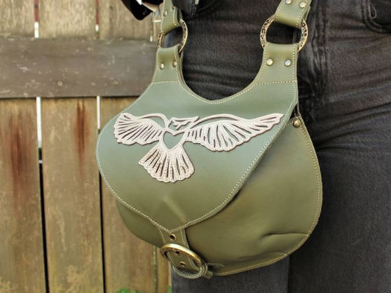 own-bag-from-leather-and-applique-with-scraps-marieke-création
