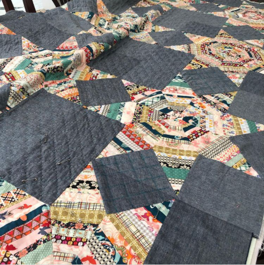 sonjaegge-scrap scrap quilt with colours and grey