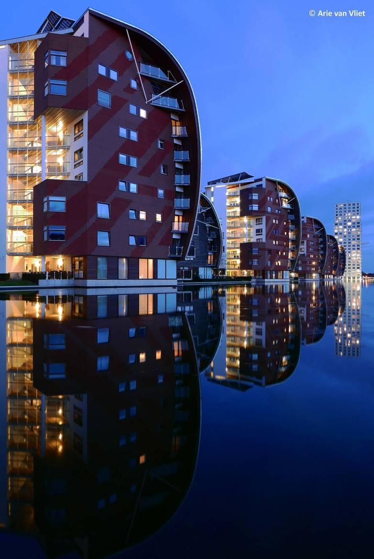 Architectuur avondfoto sfeer gebouwen