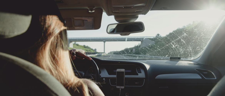 Een autodealer is geen rijschool