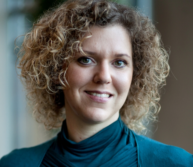 CX en EX: living apart together - Blog hoogleraar Customer Experience Management Mirella Kleijnen