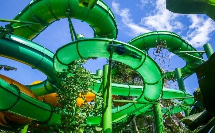 Zwembad park in Tsjechie met kinderen