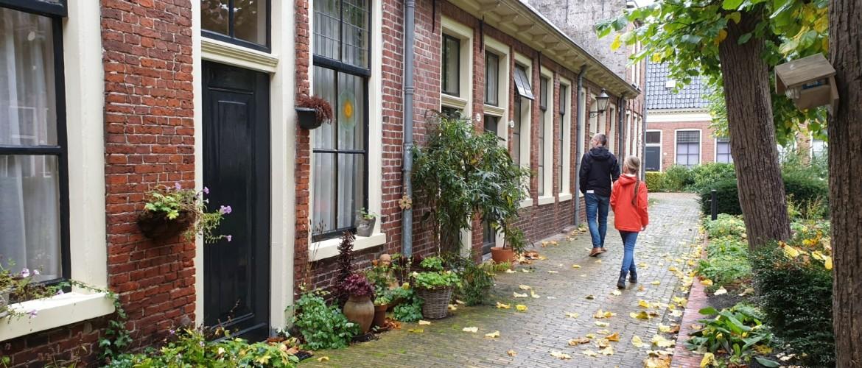 Dagje Groningen, op zoek naar verborgen hofjes achter gesloten deuren