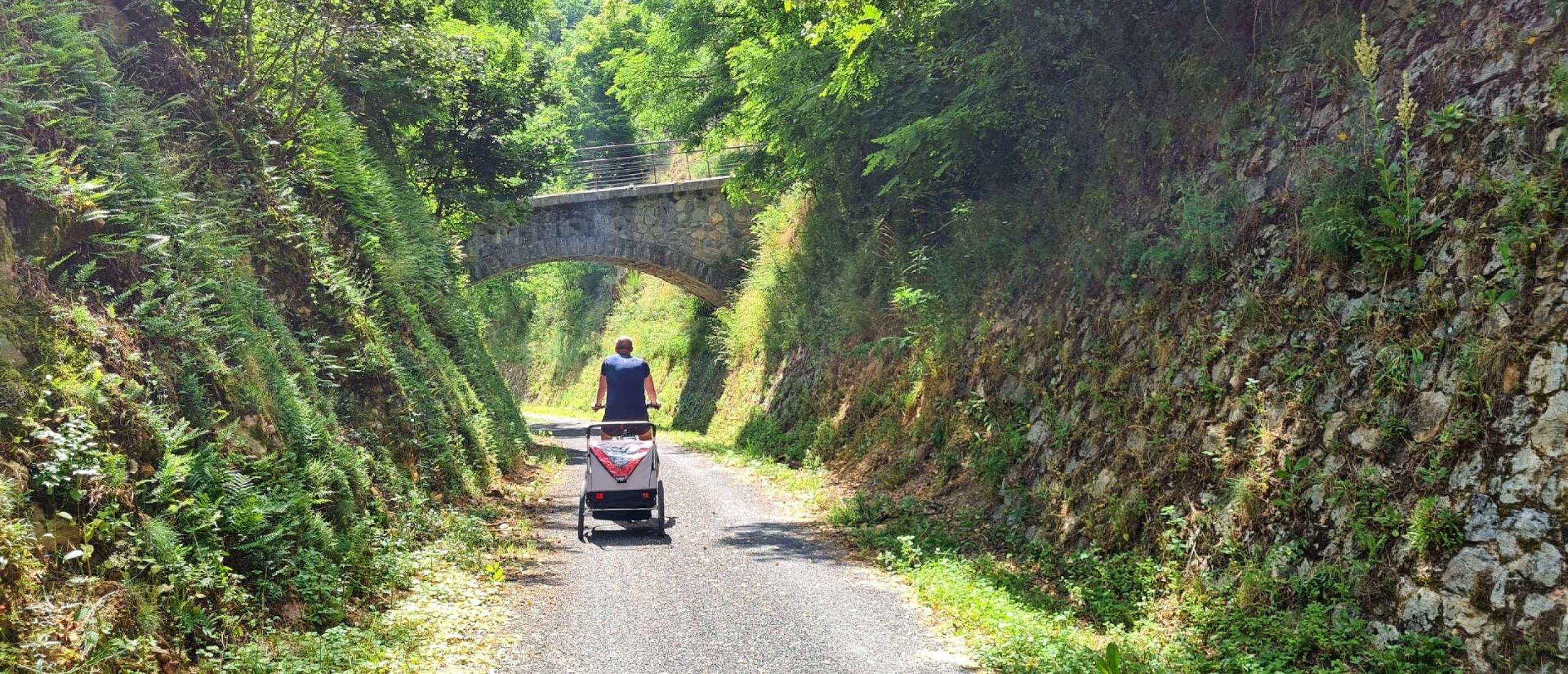Fietsroute La Dolce Via in de Ardèche met kinderen