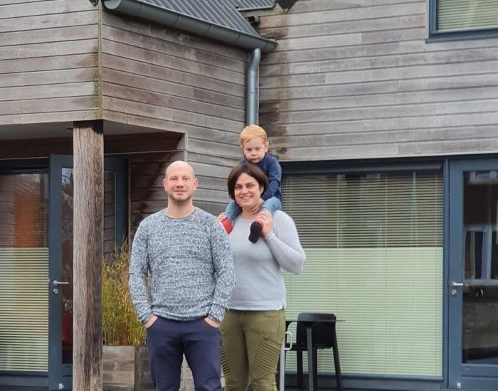 Huisje aan het water in Friesland met kinderen