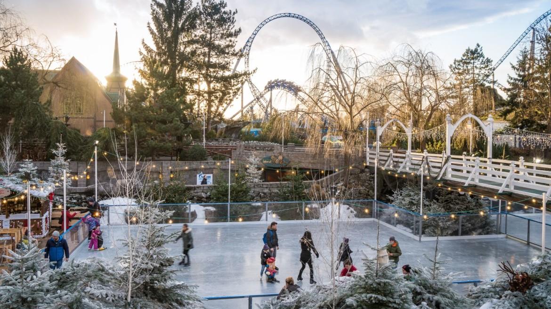 Een ijsbaan in Europa-Park tijdens de kerstvakantie