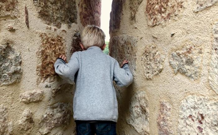 Leuk kasteel in de Auvergne met kleuter