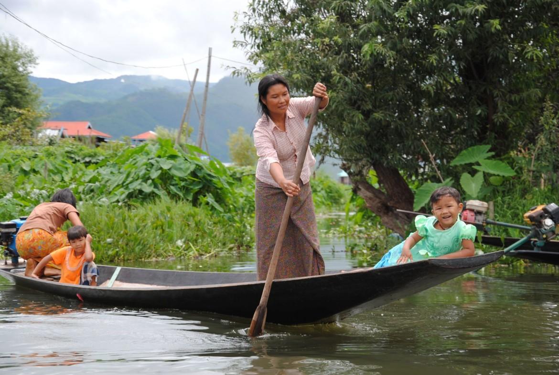 Nyaung Shwe met kinderen