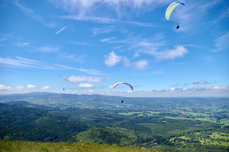 Paragliden vanaf de Puy de Dôme