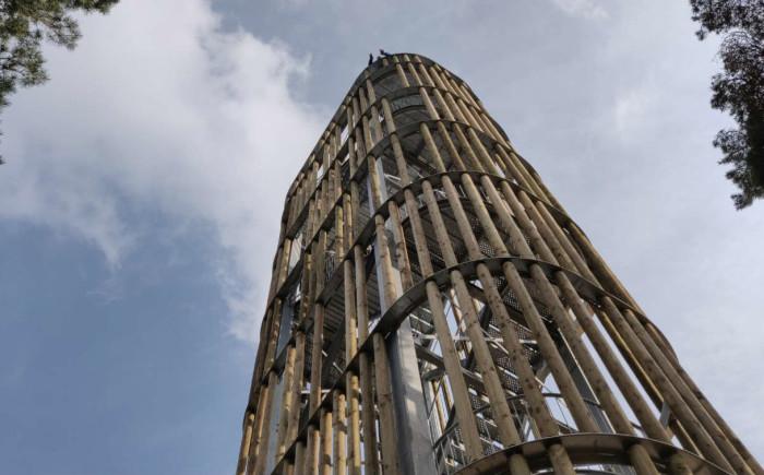 Uitkijktoren Herperduin met kinderen