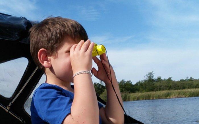 Sloepvaren in Friesland met kind