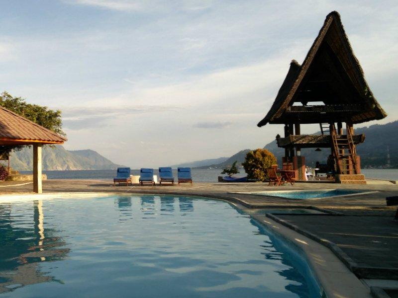 Relaxen aan het Tobameer Sumatra