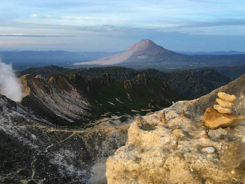 Sibayak vulkaan beklimmen Indonesie