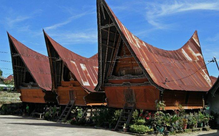 Typisch Batak huis aan het Tobameer